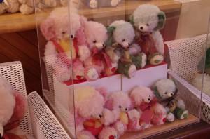 mishki-teddy-muzey-igrushek-Yaponiya-Nagano-57-300x198